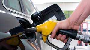 لجنة تسعير الوقود تُوصي برفع أسعار البنزين 50 قرشًا