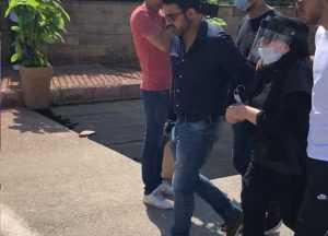 انهيار الفنانة شهيرة فى البكاء خلال تشييع جنازة الراحل محمود ياسين • أخبار السياحة